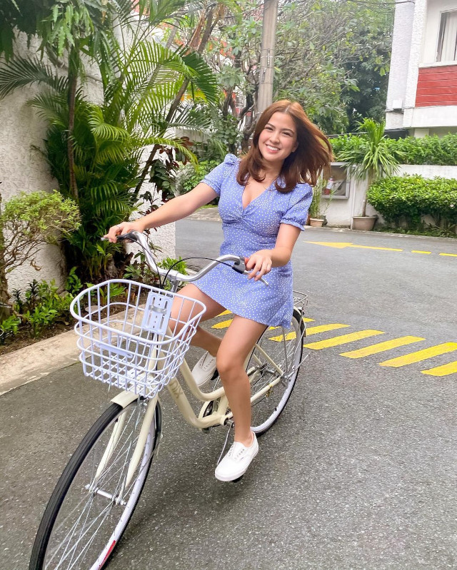 Alexa Ilacad outfit: Dress and sneakers