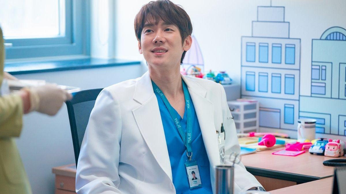 Guide to the Hospital Playlist Season 2 characters: Ahn Jeong Won