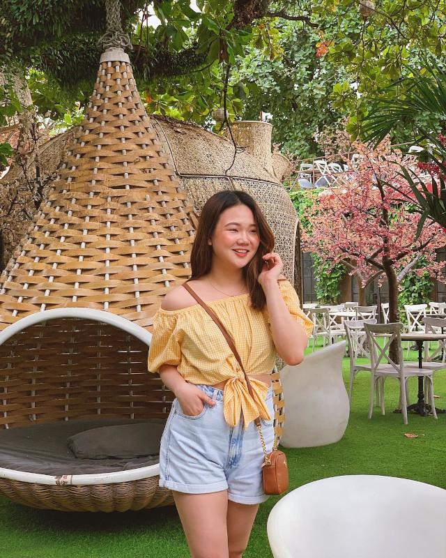 Off-shoulder outfit: Ashley Yap