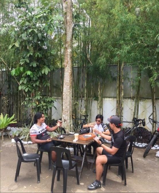 roadside coffee shop - Muni in Laguna