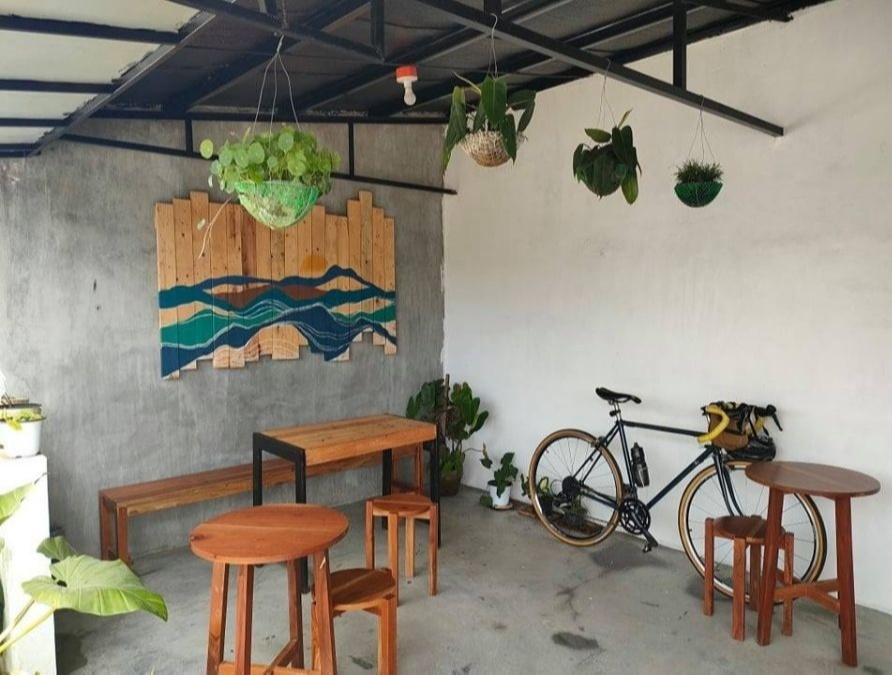 roadside coffee shop - sspace in Tagaytay