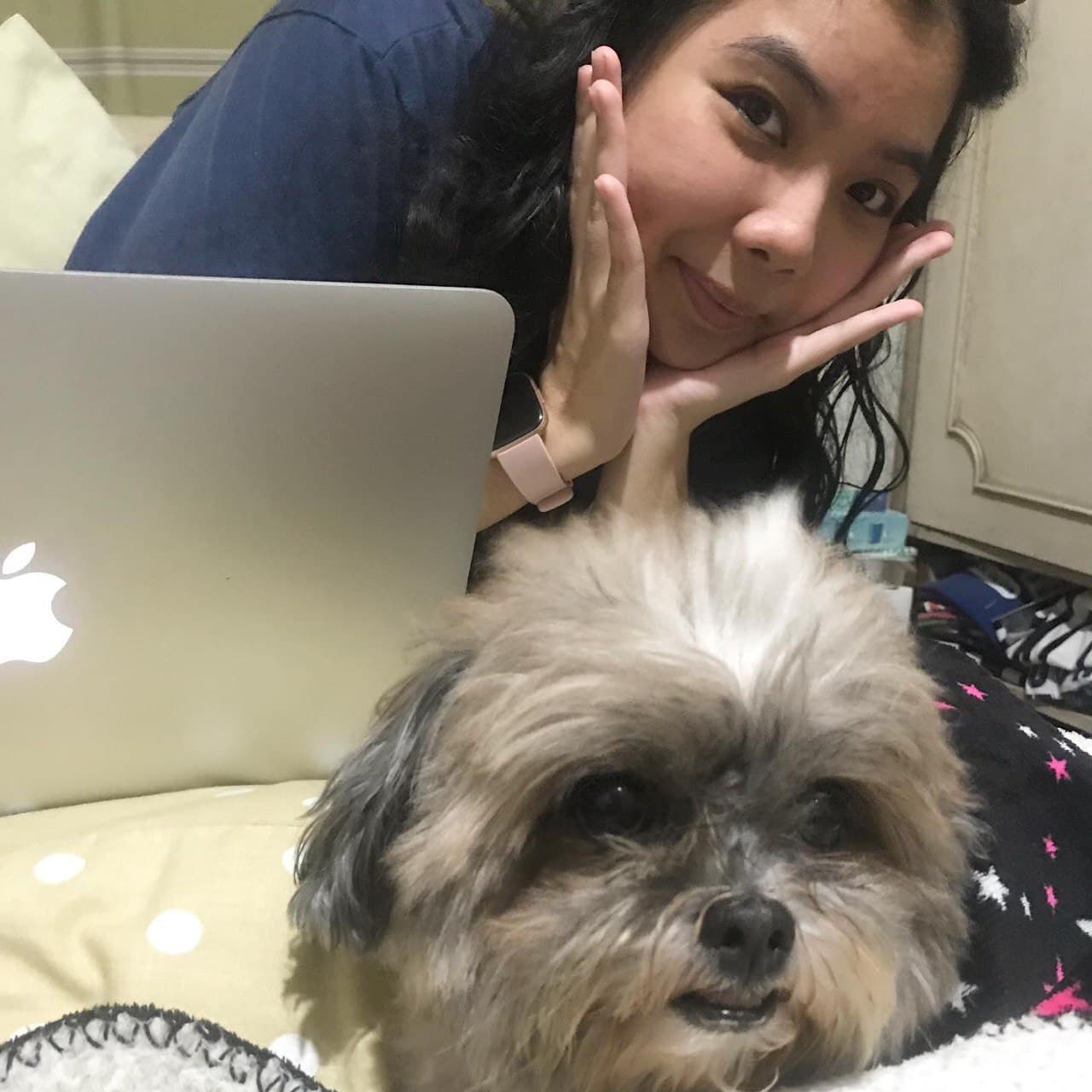 Pinay working from home