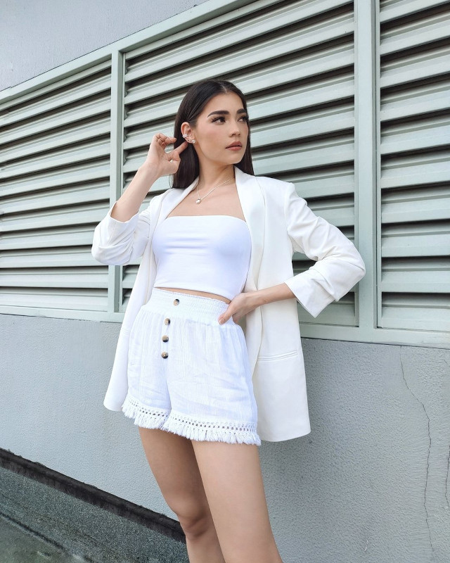 Rhian Ramos neutral-colored outfit 9
