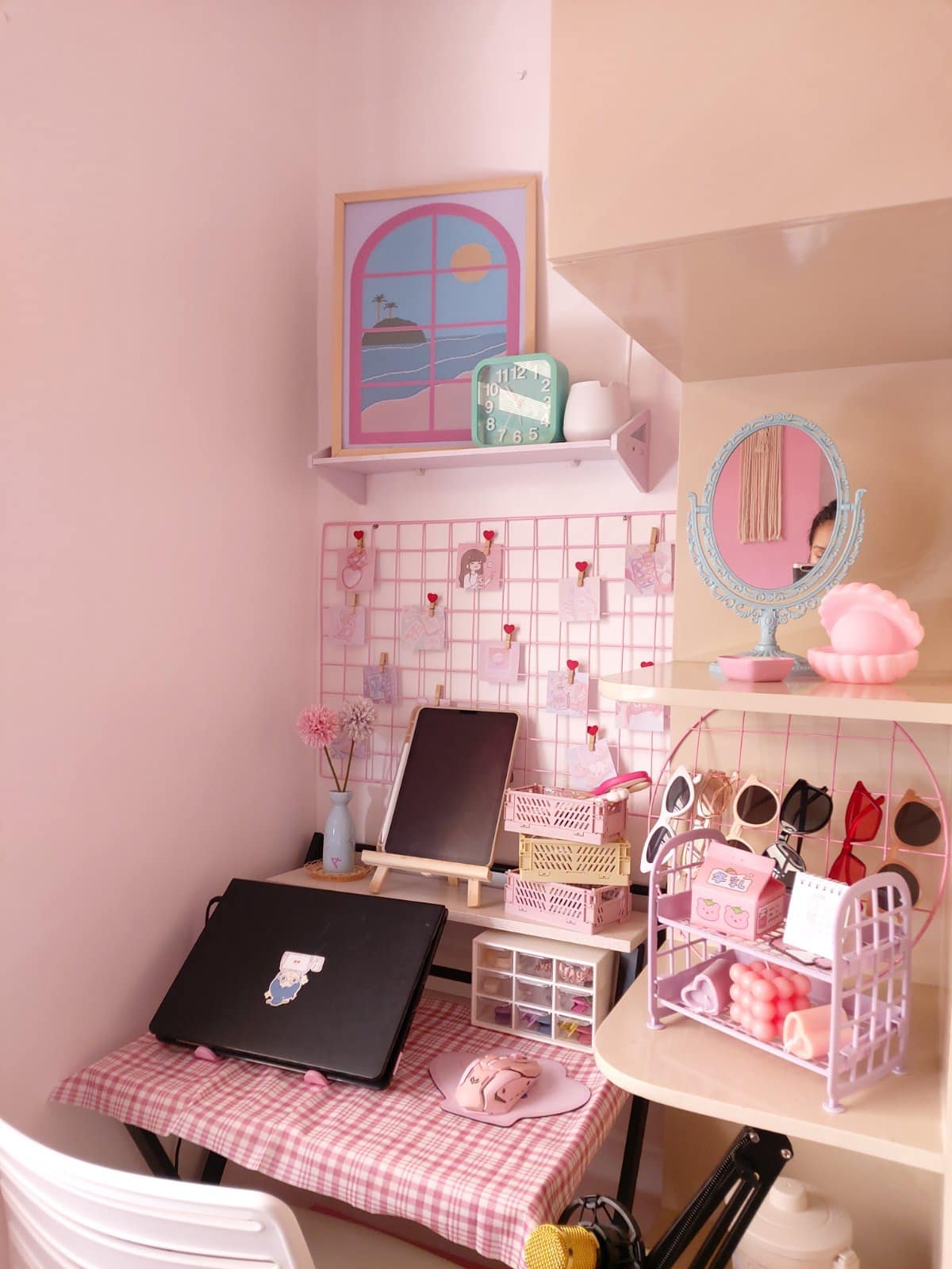 all-pink bedroom - study area