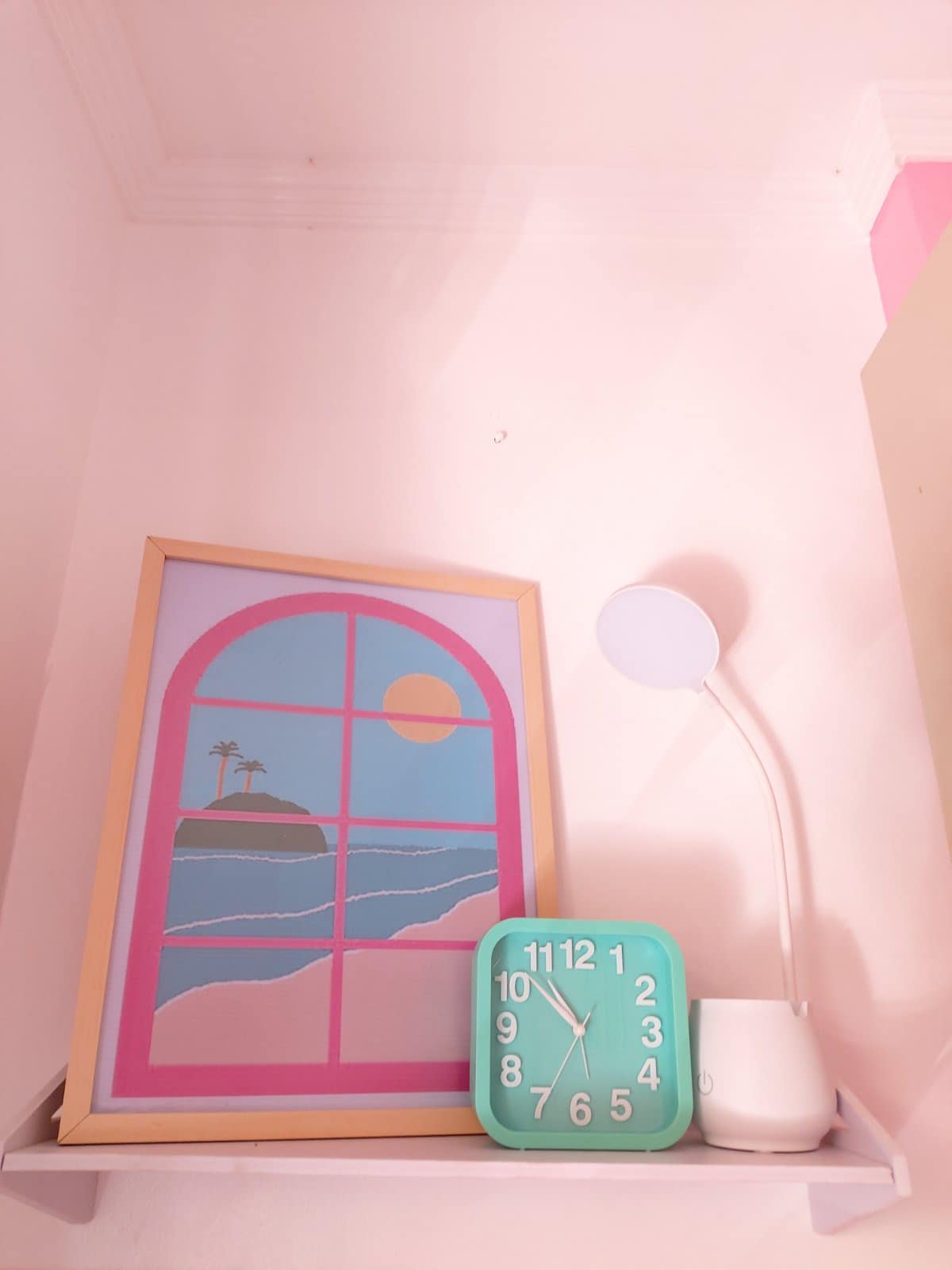 all-pink bedroom - home decor
