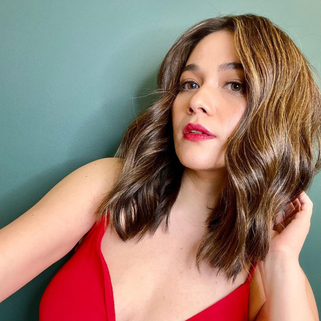 Bea Alonzo hairstyles: beach wave hairstyle