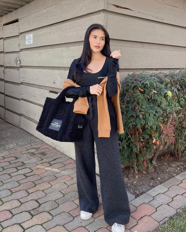 Date outfits: long sleeve top, jacket, jogger pants