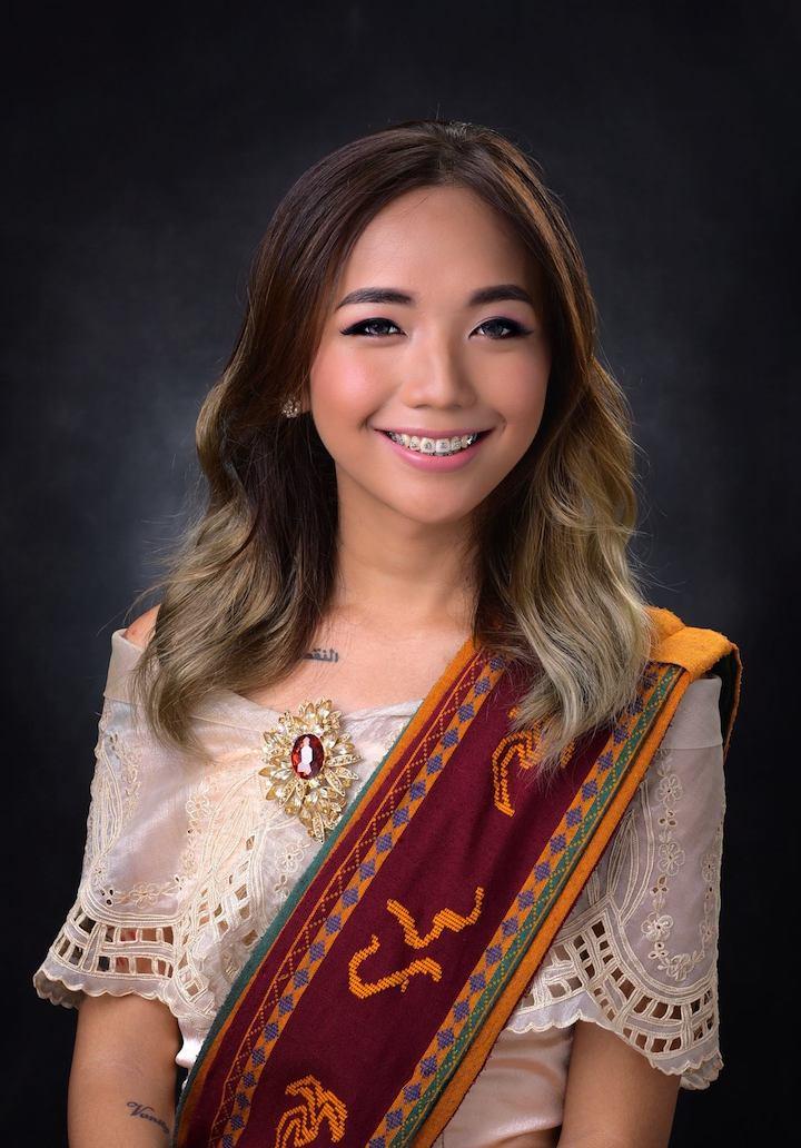 Pinay graduation photo from UP