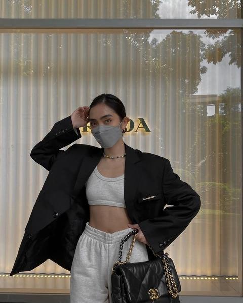 sweatpants outfit: ida anduyan