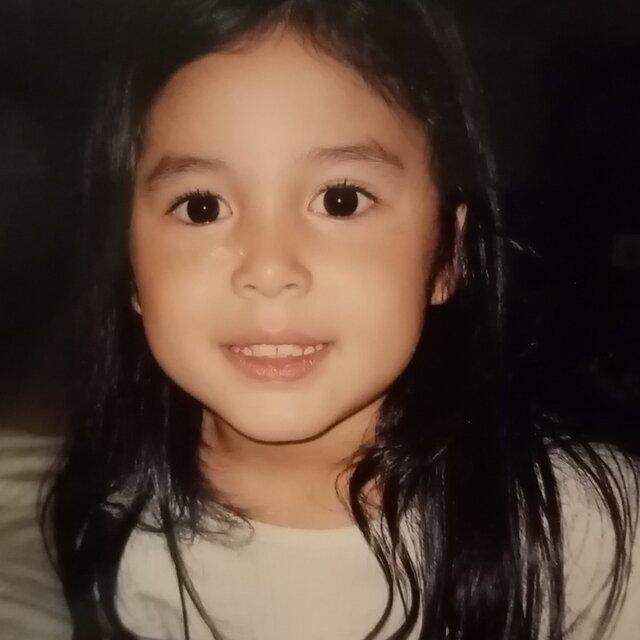 claudia barretto childhood