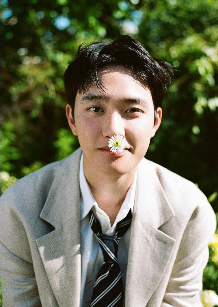 Kim Woo Bin Sent A Coffee Truck To EXO's D.O.