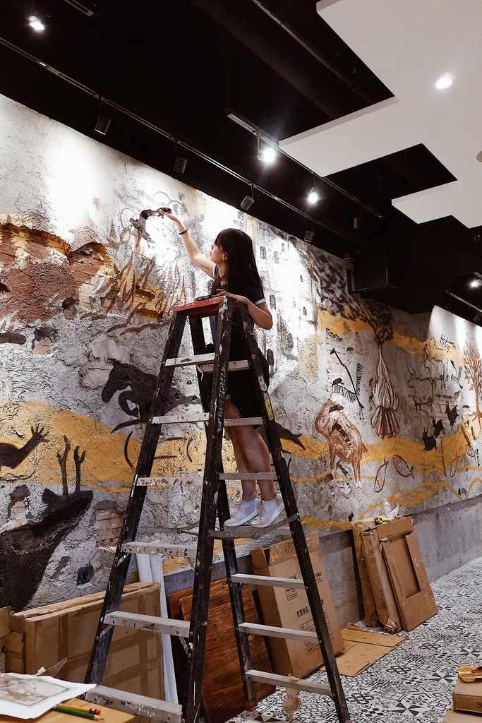 Mural artist Avin del Rosario, BGC work