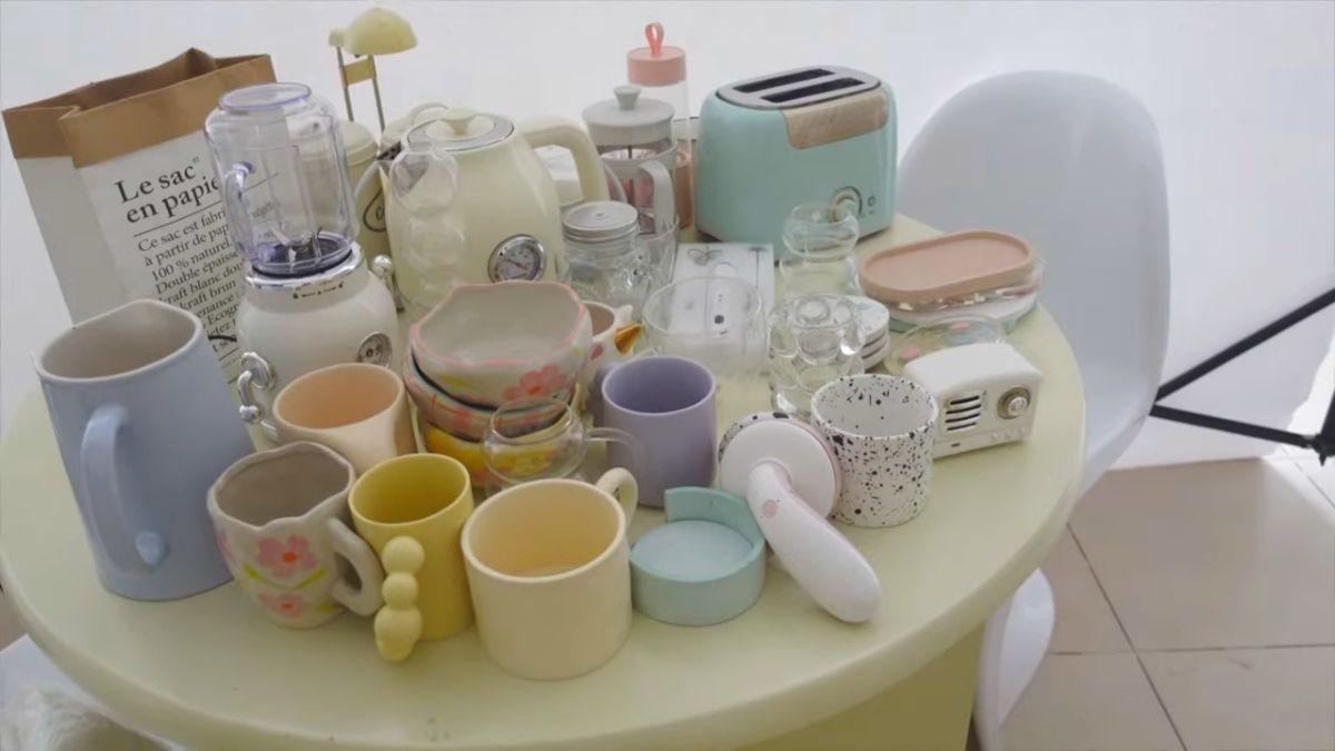 ashley garcia - mugs