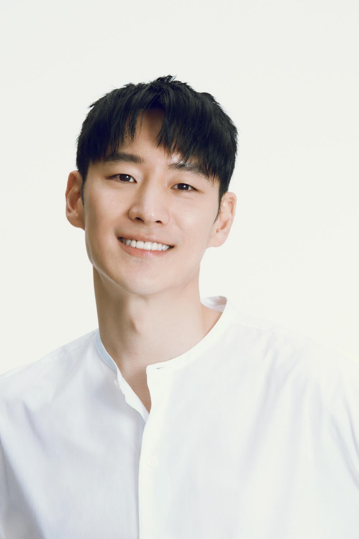 Korean actors who've established their entertainment agencies: Lee Je Hoon