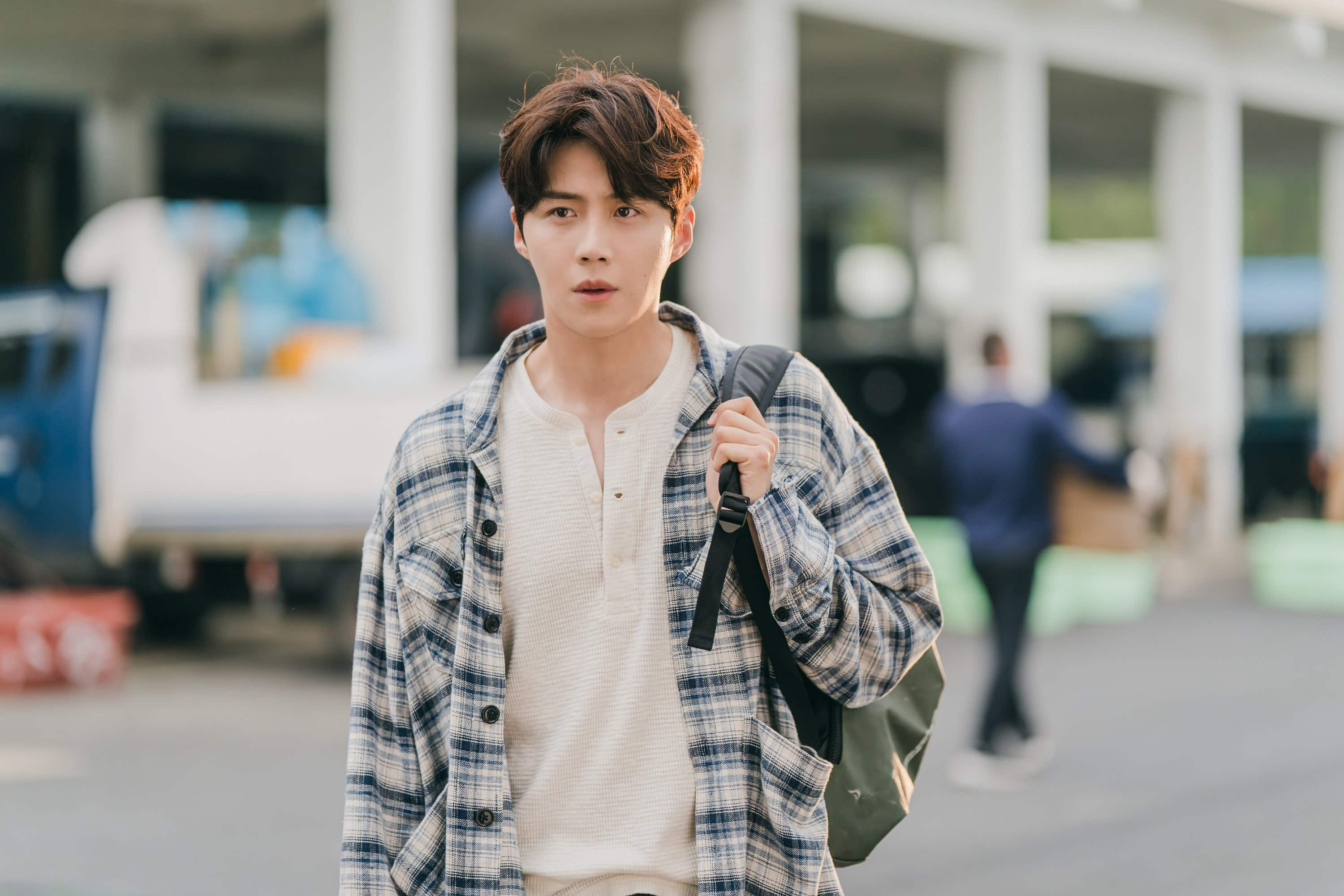 Kim Seon Ho learned how to surf for his role in Hometown-Cha-Cha-Cha
