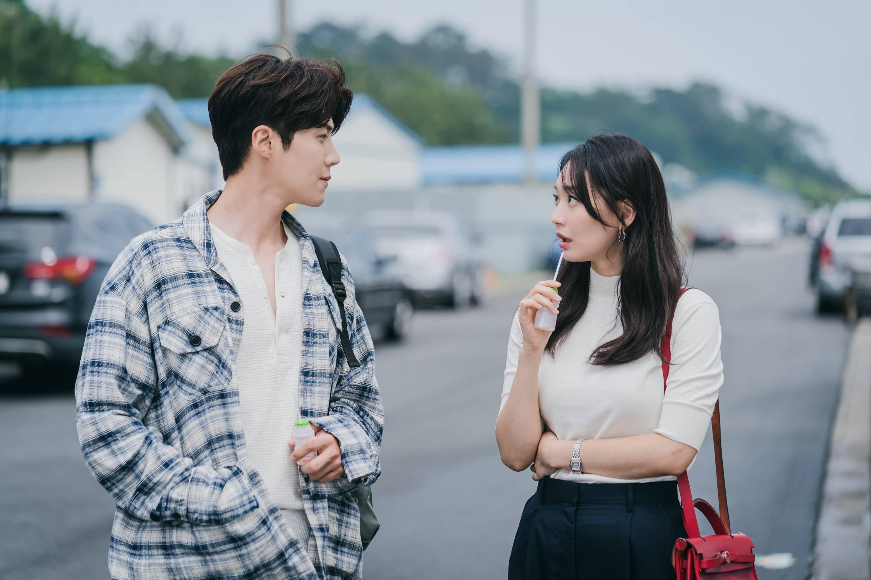 Kim Seon Ho and Shin Min Ah in Hometown-Cha-Cha-Cha