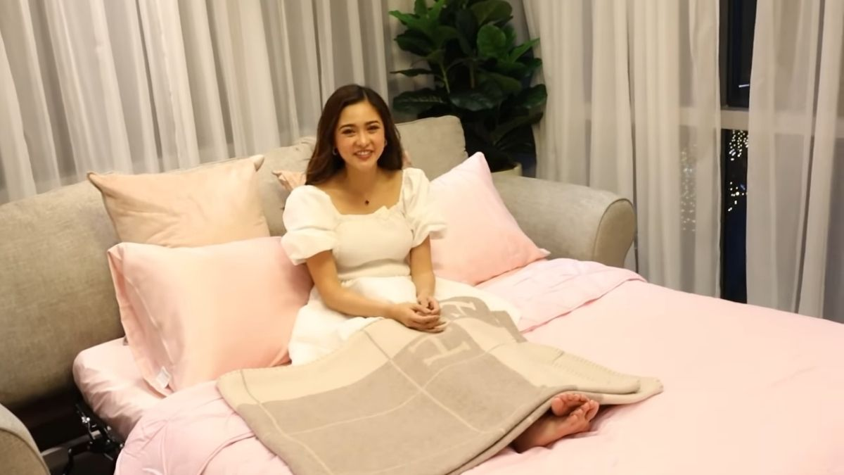 Kim Chiu condo tour -  sofa bed