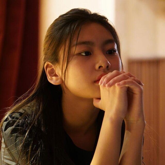 kim su an photos train to busan actress