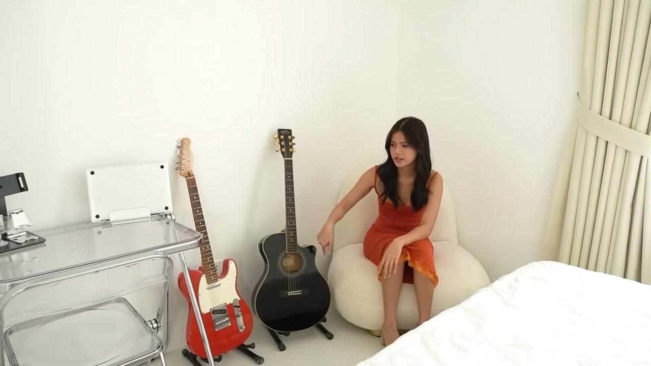 Maris Racal room tour: lounge area