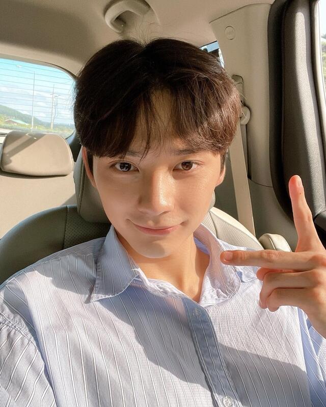 hometown cha cha cha cast instagram accounts guide: Byun Seong Tae