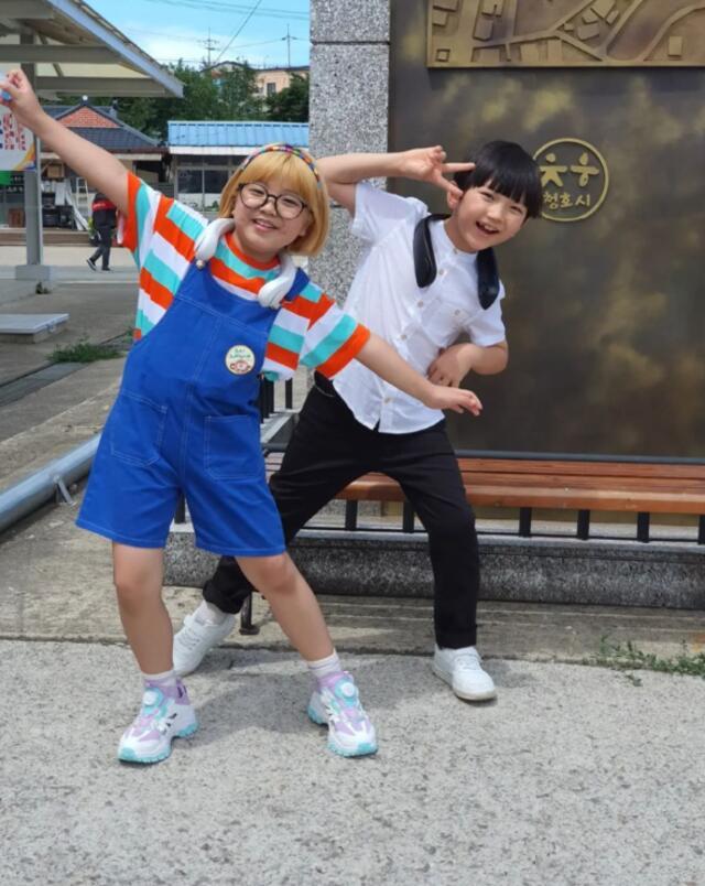 hometown cha cha cha cast instagram accounts guide: Ki Eun Yoo and Ko Do Yeon