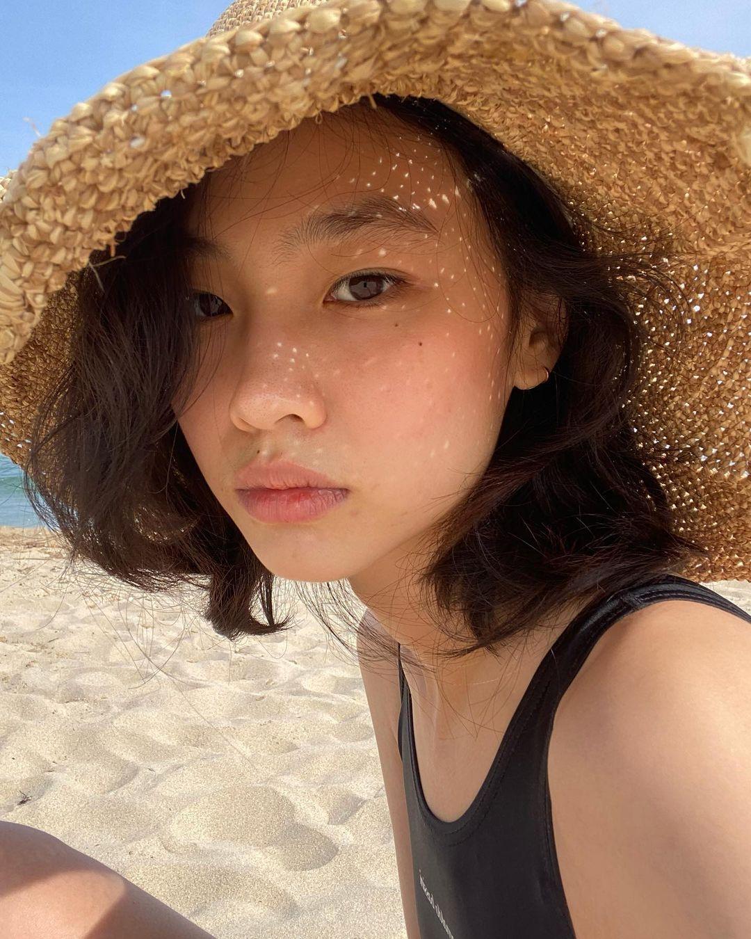 Squid Game cast's Instagram accounts - Jung Ho Yeon