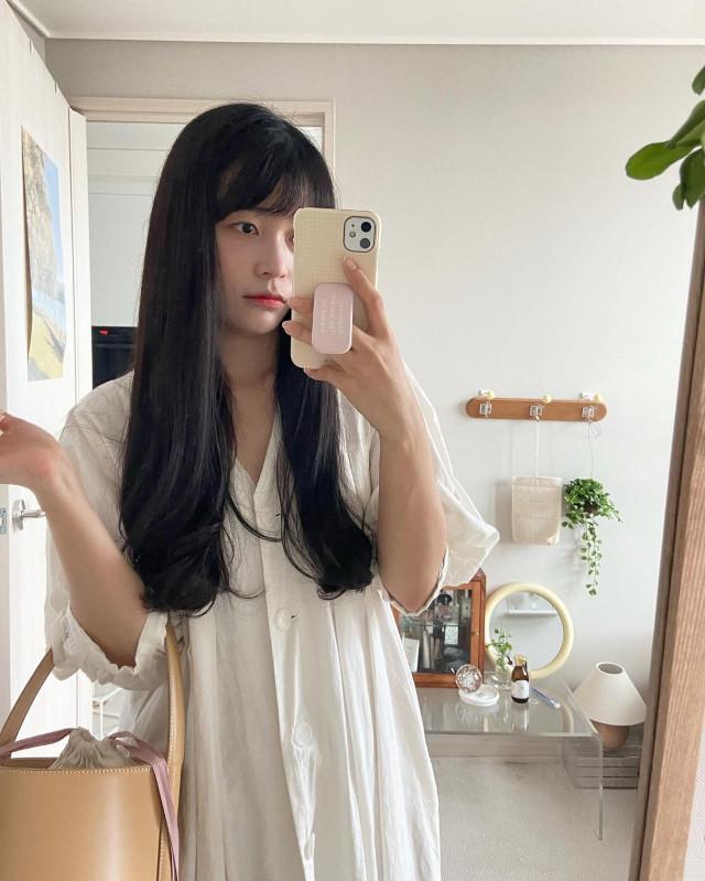 Lifestyle Korean Vlogger Ondo, Long hairstyle with bangs