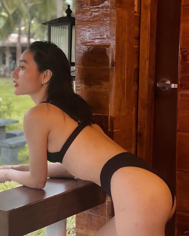 Sachzna Laparan: bikini Instagram pose
