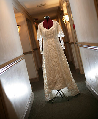 I Had A Star Wars Wedding And Wore Padme Amidala S Dress