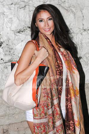 Solenn Givenchy bag