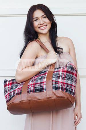What's In Zia Quizon's Plaid Carryall Bag?