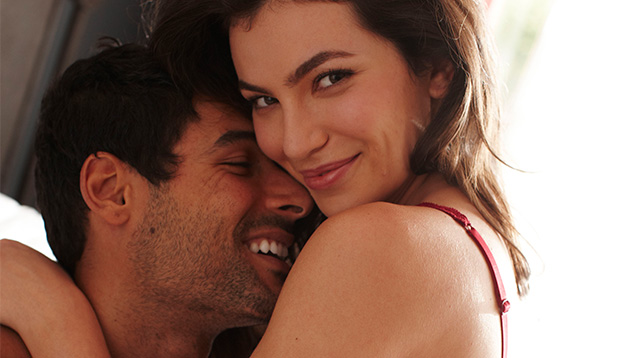 8 Signs He's Amazing In Bed