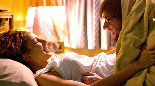 8 Signs He Loves Going Down On You