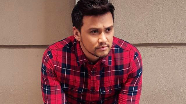 Billy Crawford Lost A Friend In The Paris Attacks Cosmo