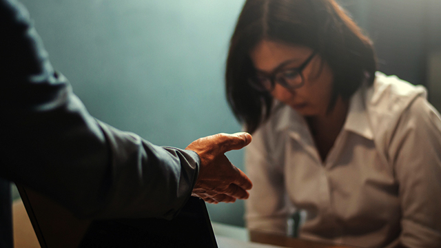 How to Spot a Liar in an Interview -- and What to Do About It