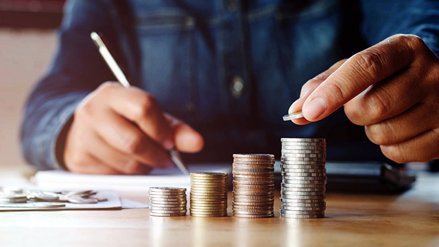 Financial Adviser: 5 Personal Finance Tips Everyone Must Follow to Achieve Their Financial Goals