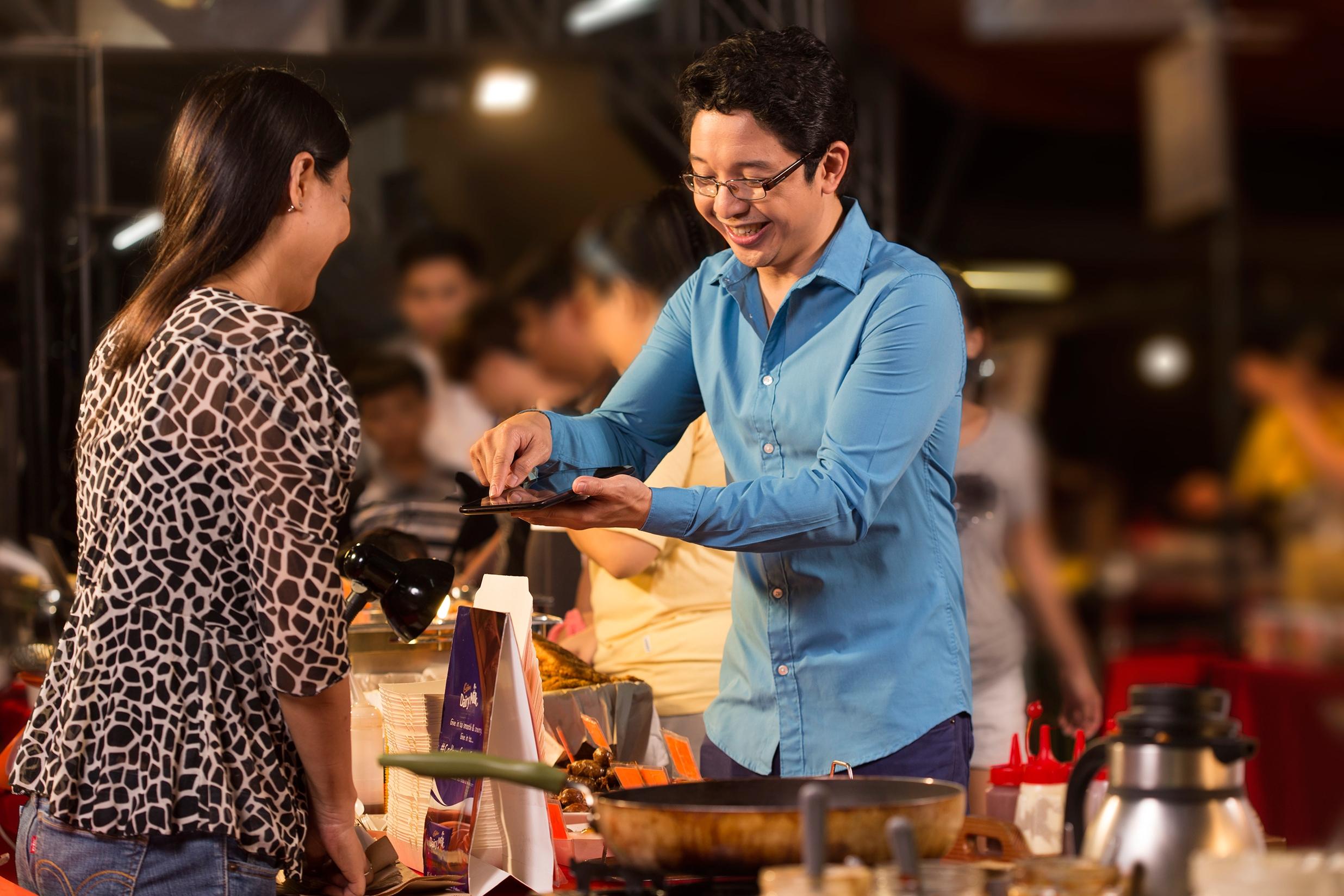 Celebrity businessman helps food startups savor the good measure of success