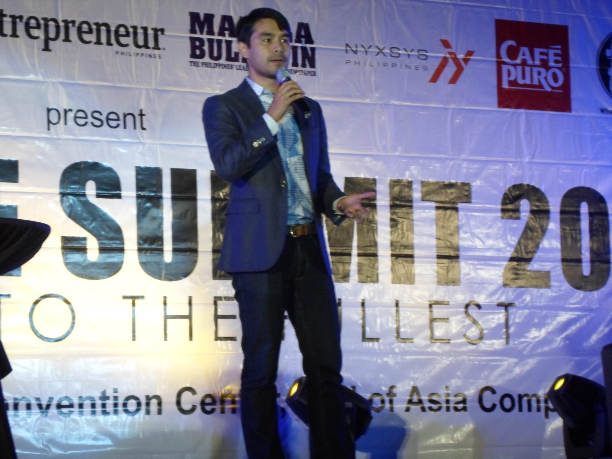 Excellence Summit 2014 shares insights and inspiration from celebrity speakers