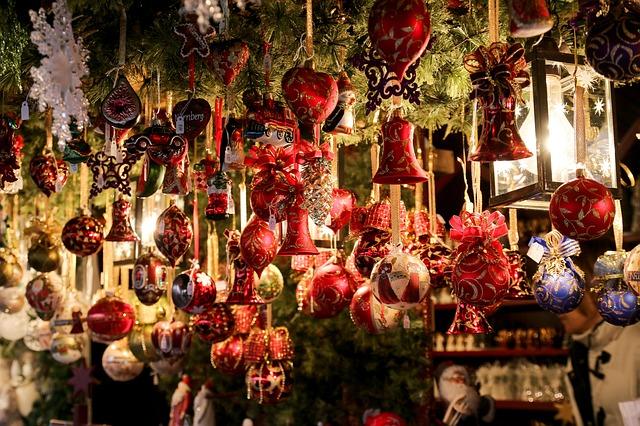 christmas_market_550323_640.jpg