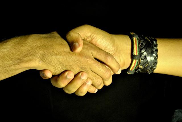 handshake_390591_640.jpg
