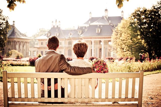couple_260899_640.jpg