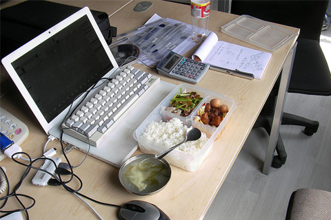 The rules for eating lunch at your desk