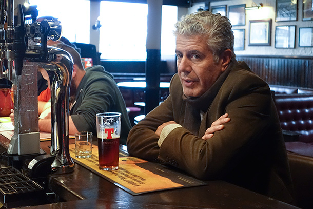 1428337078_anthony_bourdain_best_tips_eating_great_traveling_abroad_old_college_bar.jpg