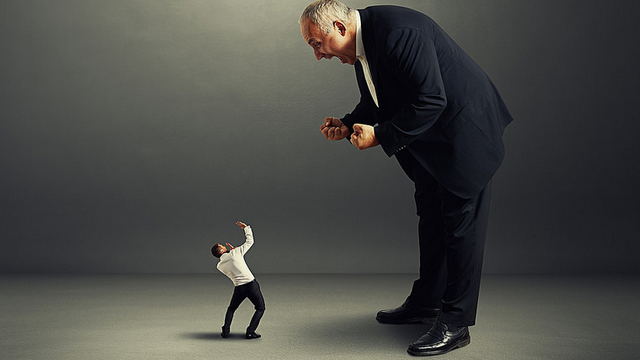 3 tips for managing a boss you don't even like