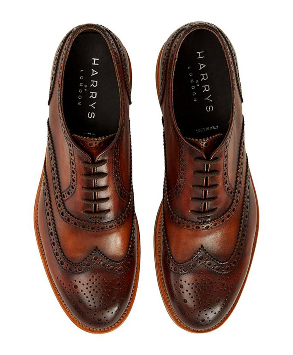 Should You Wear Oxfords or Brogues?