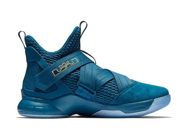 on sale 822a5 8adfe Share. IMAGE Nike .