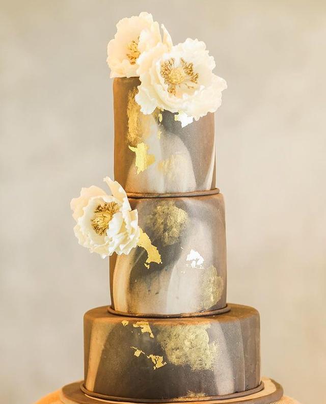 wedding cake designs: grey cake