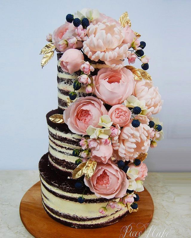 wedding cake designs: cakes with 3d florals