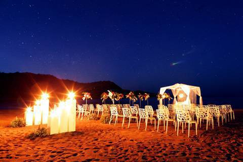 With 7 107 Islands And Tropical Weather The Philippines Presents Marrying S Fun Option Of Tying Knot By Beach