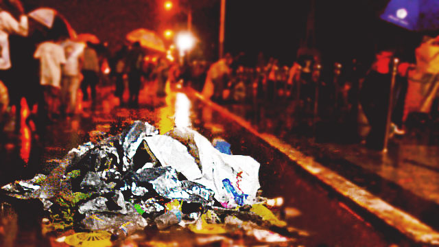Duterte Trashes Local Officials For Garbage On Streets